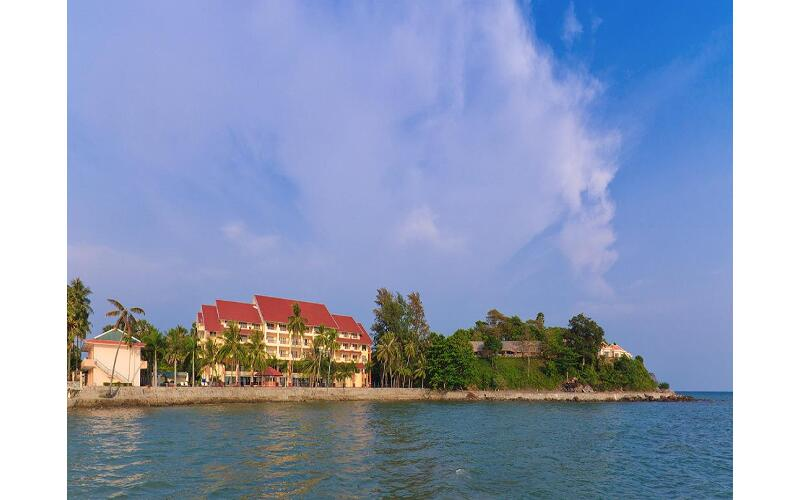 Hòn Trẹm Resort